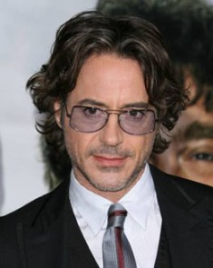 Robert Downey Jr w Oliver Peoples Jack One.jpg