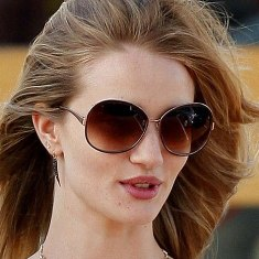Rosie Huntington w Oliver Peoples Racy.jpg